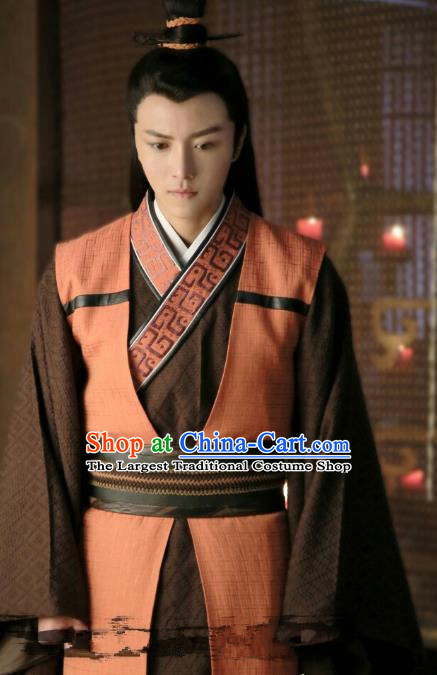 Chinese Ancient Swordsman Hanfu Robe Drama Men with Sword Cha Jie Costumes and Hair Accessories