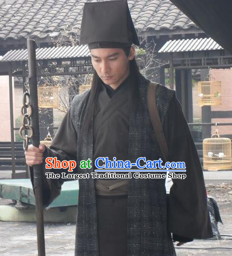 Chinese Ancient Swordsman Costumes Black Apparels Garment and Hat Drama Butterfly Sword Ye Xiang Costumes