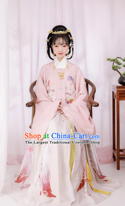 Traditional Chinese Ming Dynasty Rich Female Hanfu Dress Ancient Court Lady Historical Costumes Embroidered Garment