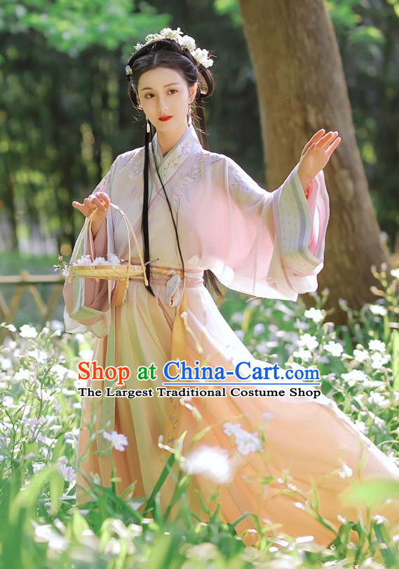 Traditional Chinese Jin Dynasty Hanfu Dress Garment Ancient Noble Lady Embroidered Historical Costumes