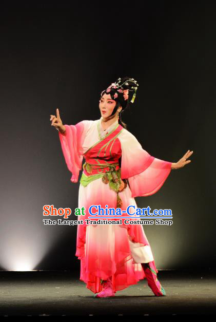 Chinese Beijing Opera Young Beauty Chang E Apparels Costumes and Headpieces Goddess of the Moon Traditional Peking Opera Actress Rosy Dress Garment