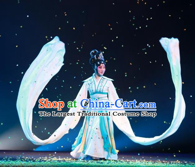 Chinese Beijing Opera Fairy Chang E Apparels Costumes and Headpieces Goddess of the Moon Traditional Peking Opera Young Beauty Dress Garment