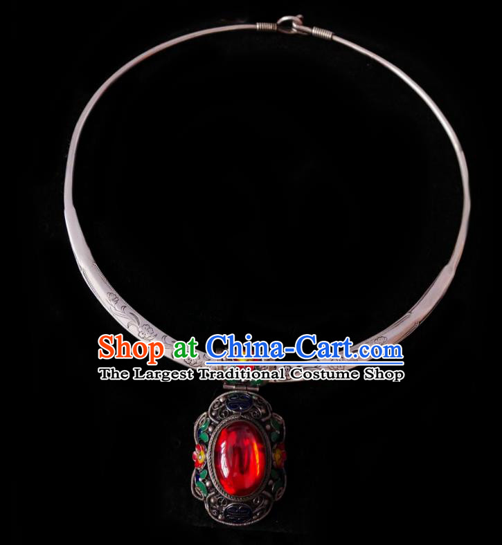 Chinese Handmade Red Stone Necklace Traditional Hanfu Jewelry Accessories Cloisonne Silver Necklet for Women