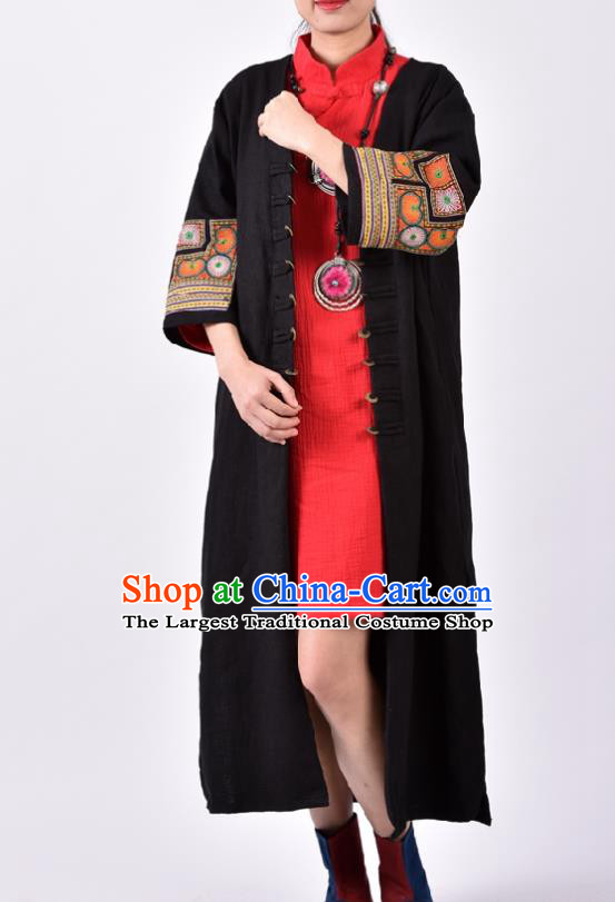 Traditional Chinese Embroidered Black Flax Dust Coat National Costume Tang Suit Overcoat for Women