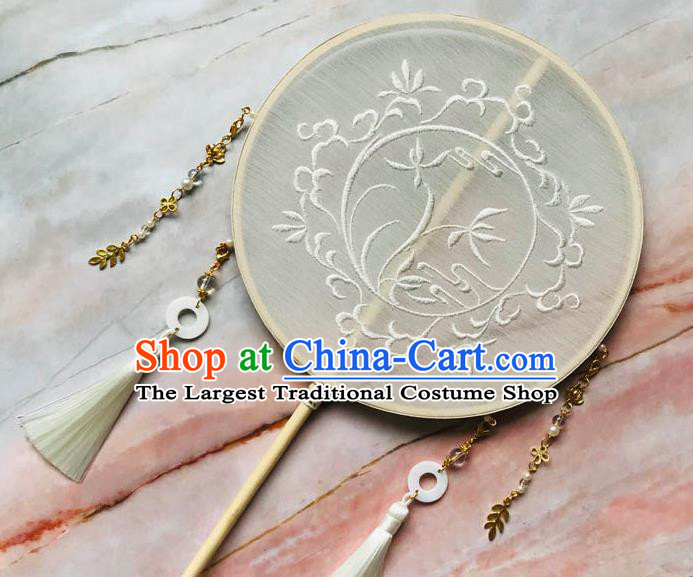 China Handmade Palace Fan Traditional Bride Embroidered Orchids Circular Fan Wedding Beige Silk Fan