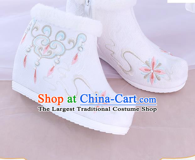 China National Winter Ankle Boots Traditional New Year Shoes Embroidered White Boots