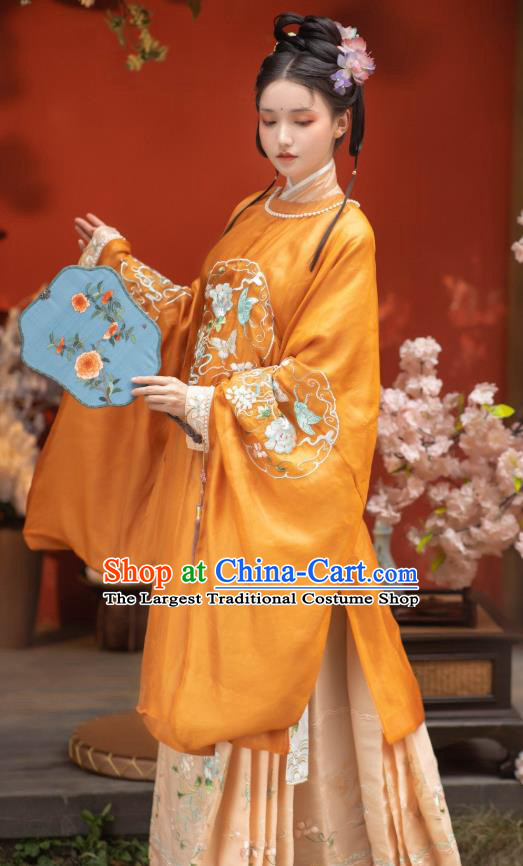China Traditional Ming Dynasty Embroidered Historical Clothing Ancient Noble Lady Hanfu Dress Apparels