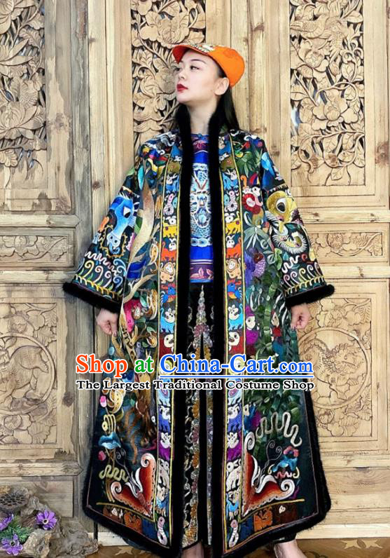 Chinese Traditional Women Clothing Winter Outer Garment Embroidered Silk Dust Coat